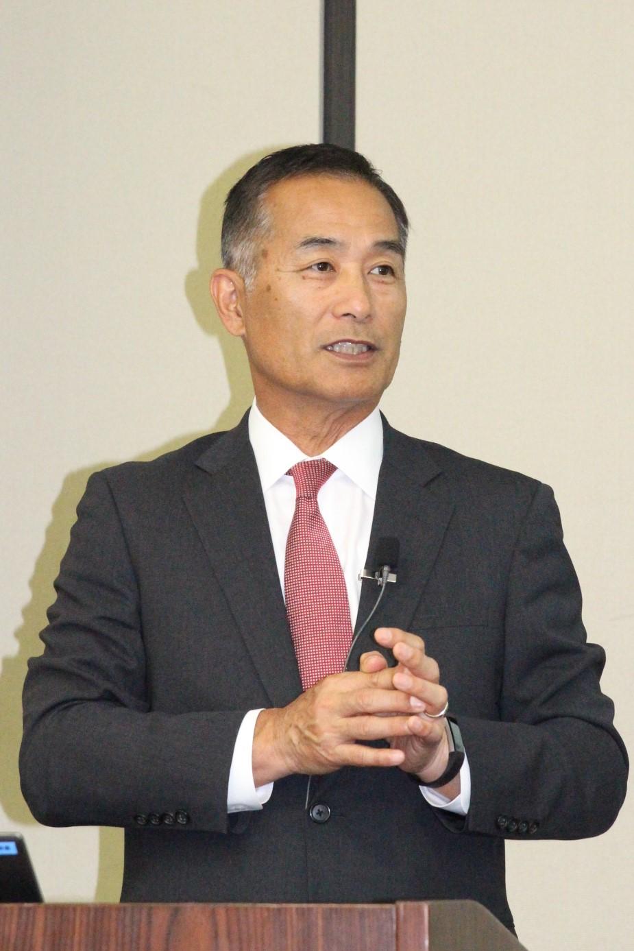経営方針を説明する小柴社長