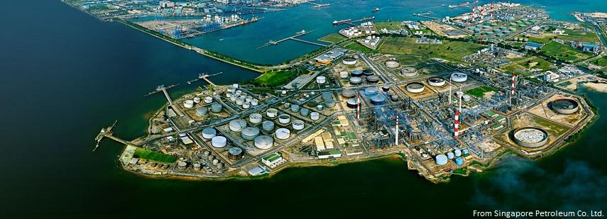 ジュロン島の石油精製基地 Singapore Petroleum社のサイトより