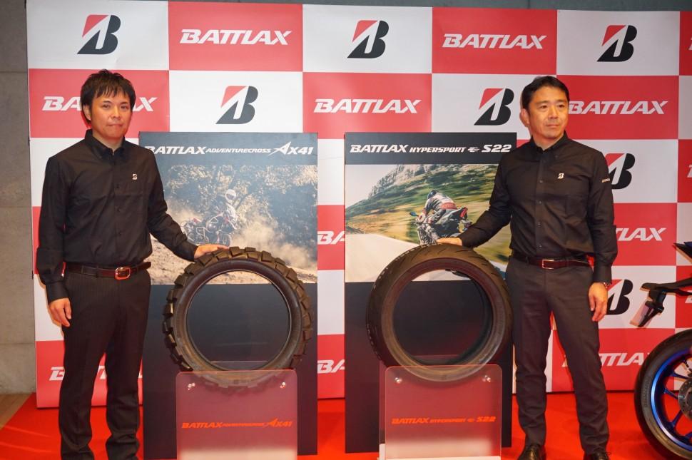 新商品の説明を行った内田部長(右)と髙橋リーダー
