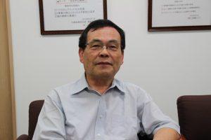 イワカミ 岩上哲也代表取締役会長兼社長