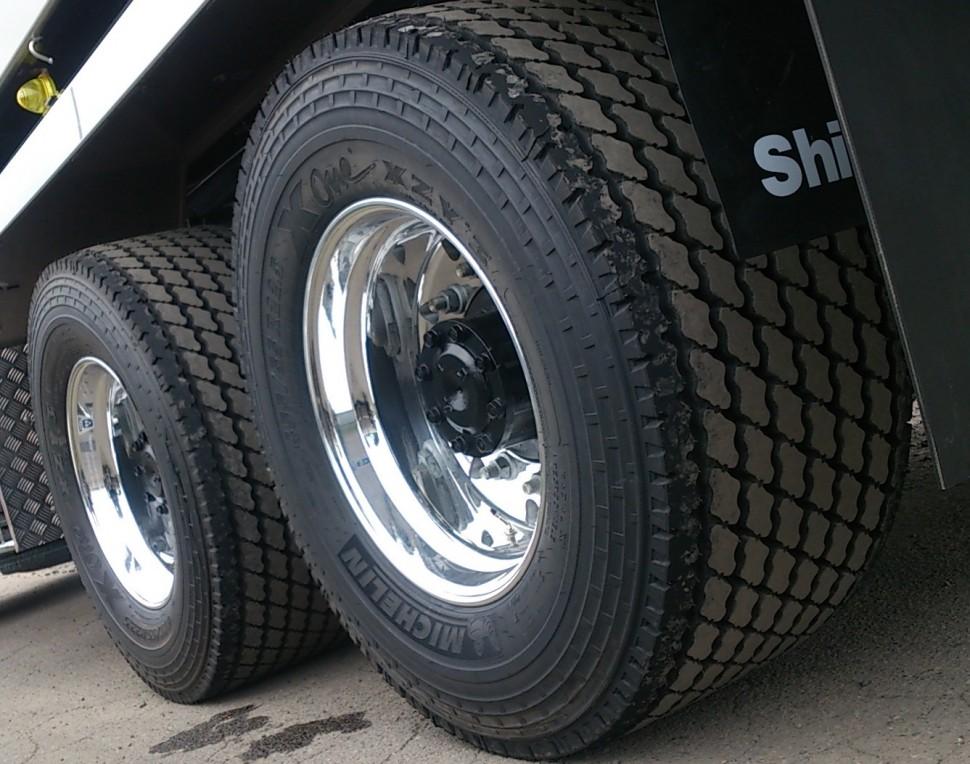 装着されたMICHELIN X One ワイドシングルタイヤ