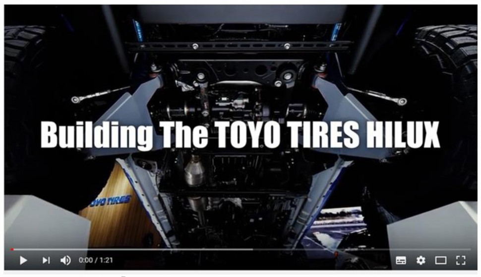 Building The TOYO TIRES HILUX_ページ_1