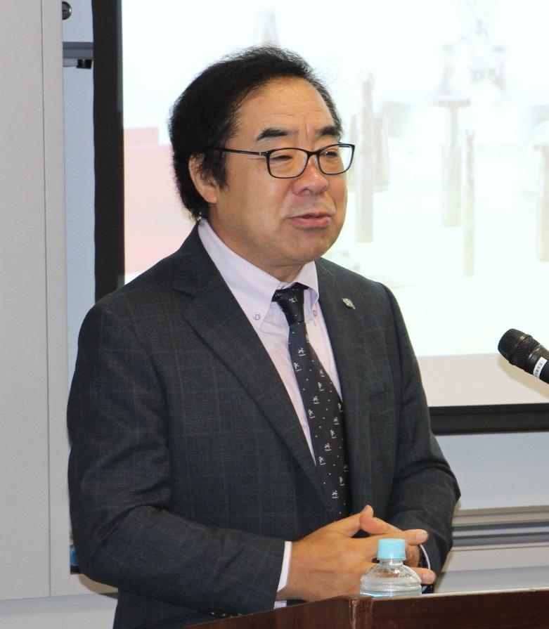 講演する山本昌作氏