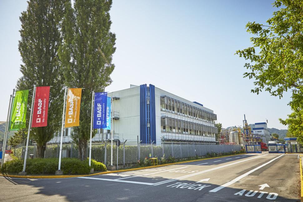 伊のポンテッキオ・マルコーニ工場