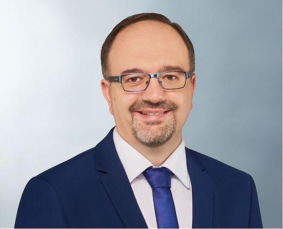ニコラオス・キリアゾプロス代表取締役