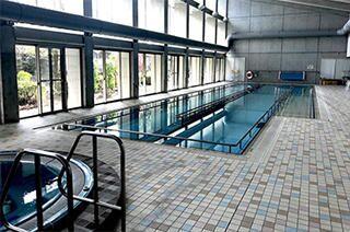 施設内のウォーキングプール