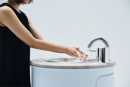 ポータブル手洗いスタンド「WOSH」