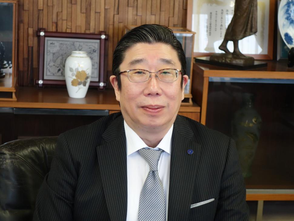 加藤已千彦理事長