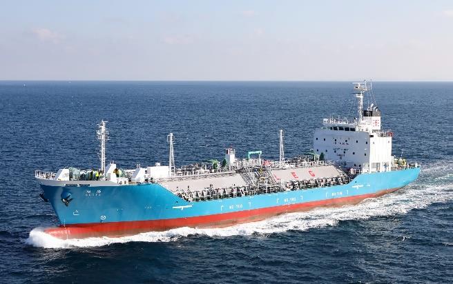新エチレン輸送船「翔陽」