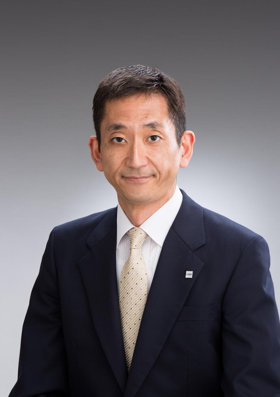 横尾合成ゴム事業部長
