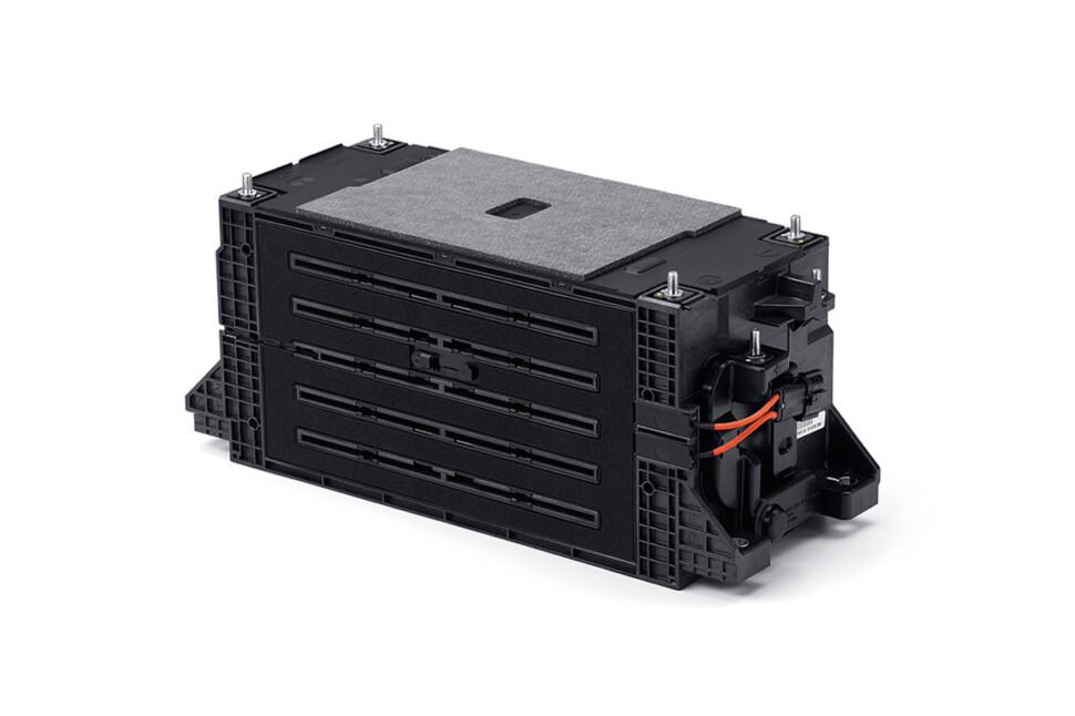 バッテリーモジュール筐体を共同開発