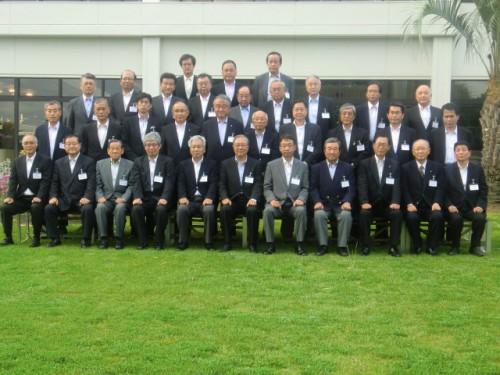 総会終了後、出席者全員で記念撮影